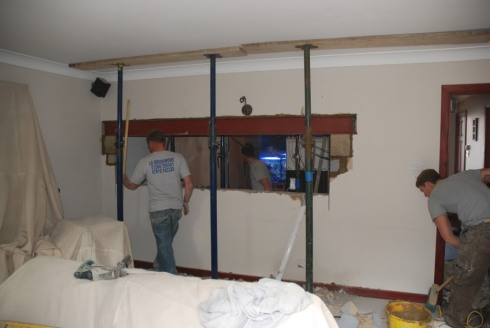 9ft hole in wall build